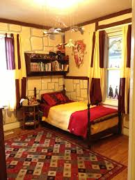 harry potter gryffindor bedroom i m 26 and would still love harry potter gryffindor bedroom i m 26 and would still love this