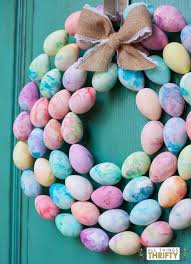 egg wreath make your own marble easter egg wreath with your kids all