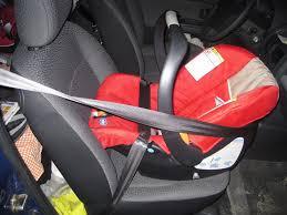 jusqu a quel age le siege auto nos enfants devraient être installés dos à la route jusqu à deux ans