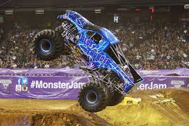 monster jam madusa truck blue thunder monster trucks wiki fandom powered by wikia
