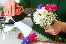 floral arranging the simplicity of flower arranging home wizards