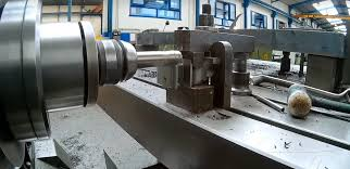 making of heavy duty steel bench vise with piece of railtrack