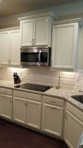 Backsplash Subway Tiles For Kitchen by Best 25 Venetian Gold Granite Ideas On Pinterest Off White