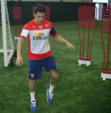 alexis sanchez youtube arsenal news alexis sanchez shows off his juggling skills with a