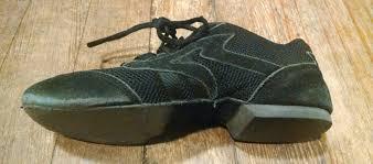 choosing contra dance shoes