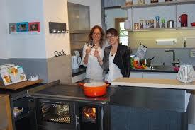 holzherd küche weiß söhne heizen mit holz wir vereinen tradition und innovation