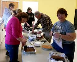 lawrenceburg catholics host thanksgiving meal for in need