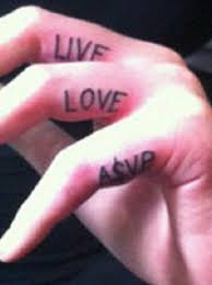 iggy azalea u0027s u201clive love a ap u201d tattoos on her fingers popstartats
