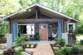 bungalow makeover hgtv u0027s urban oasis 2015