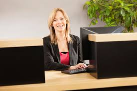 Job Description Of A Teller For Resume by How To Become A Bank Teller Careerbuilder