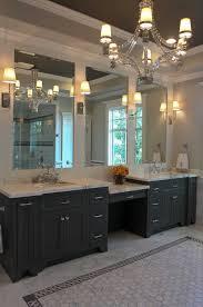 Best 25 White Master Bathroom by Best 25 Makeup Counter Ideas On Pinterest Master Bathroom