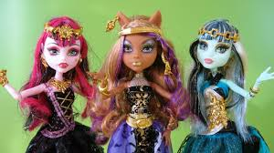 Monster High Halloween Wolf Doll by Monster High 13 Wishes Clawdeen Wolf Draculaura And Frankie Stein