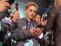 Memes Del Super Bowl - selfie kid scores super bowl lii meme touchdown cnet