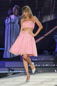 taylor swift costumes for halloween best 25 the 1989 world tour ideas only on pinterest taylor