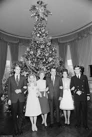 Blue And White Christmas Decorations Uk by Christmas At The White House From Fdr To Barack Obama And Wife
