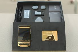 blackberry porsche design gold blackberry p 9983 gold plated blackberry porsche design p