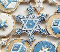 hanukkah cookies personalized hanukkah cookies wish my piping was that