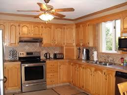 peinture d armoire de cuisine d capage et teinture et vernis pour armoires de cuisine en