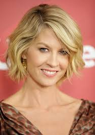 bob hairstyle for 40 short wavy bob hairstyles with side bangs for women over 40 cute