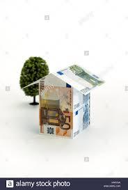 Ein Haus Kaufen Banknoten Hausform Icon Hausbau Kleines Haus Haus Form