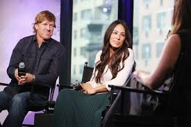 hgtv responds to controversy about fixer upper u0027s chip u0026 joanna