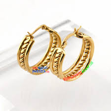 boy earrings fashion style of golden rope circular shape of stainless steel