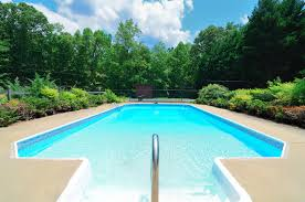 how to choose the right size pool for your home