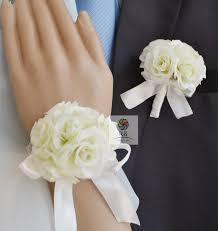 white corsages for prom handmade wedding corsages groom boutonniere bridesmaid