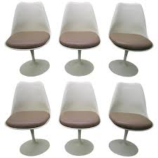 Swivel Tilt Dining Chairs by Six Vintage Knoll Saarinen White Tulip Swivel Dining Chairs Mid