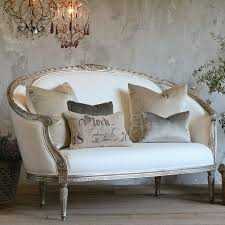 Country French Sofas by Best 25 French Sofa Ideas On Pinterest Sofa Upholstery Antique