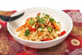 riz cuisiné riz sauté au saumon poivron et carotte cuisiné cookée