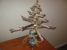 fake it frugal holidays seaside driftwood christmas tree