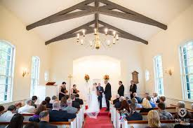 small intimate wedding venues advantages of intimate wedding venues missouri rustic weddings