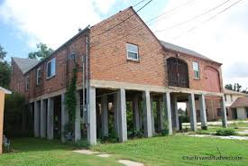 Barn House File New Orleans Fifty For Five Raised Barn House Jpg Wikimedia