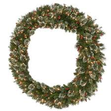 in wreaths garland decorations