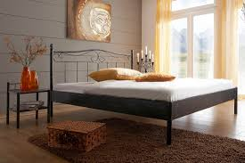Schlafzimmer Mit Metallbett Metallbett Palermo In Verschiedenen Farben Und Größen Von Dico