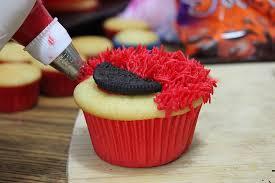 elmo cupcakes lydia bakes elmo cupcakes tutorial