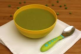 cuisiner le brocolis frais recette de soupe de brocolis petits pois et fromage frais