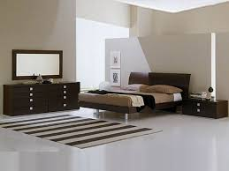 luxury bedroom decor using modern japanese interior design with
