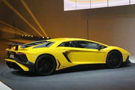 porsche yellow paint code watch lamborghini aventador sv laps the u0027ring in under 7 minutes