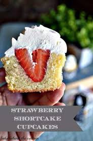 strawberry country cake recipe strawberry cakes barefoot and cake