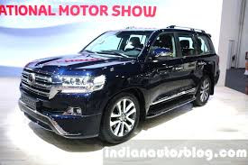 land cruiser 2015 2016 toyota land cruiser facelift front quarter at 2015 dubai