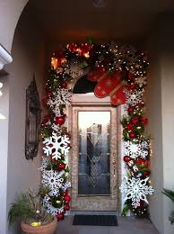 Outdoor Christmas Decor Pinterest - best 25 front door christmas decorations ideas on pinterest for