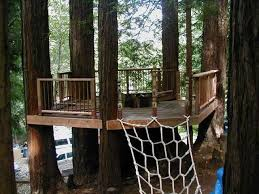 Backyard Fort Ideas How To Build A Treehouse