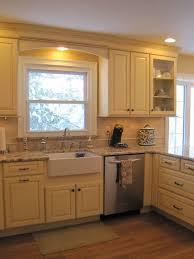 cabinet trim kitchen sink crown molding soffet wattage necessary for pendant