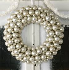 silver wreath would be pretty with the pearl colored balls