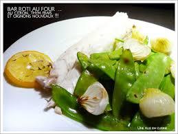 cuisiner des pois gourmands bar au four pois gourmands croquants et oignons nouveaux une