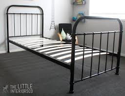 single bed black