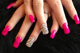 nail designs with rhinestones for a dazzling manicure