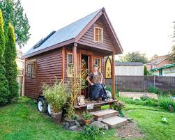 dee williams pad tiny houses 0001 tiny house giant journey